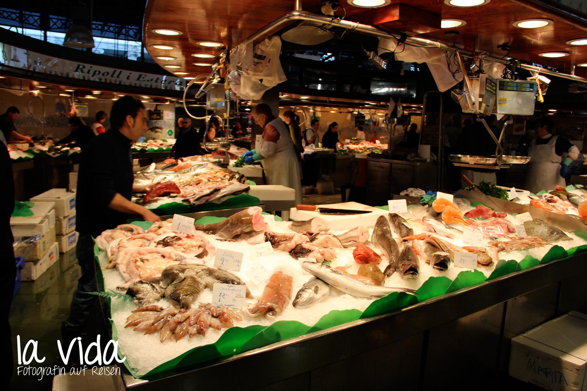 Fischstände auf dem Mercat de la Boqueria