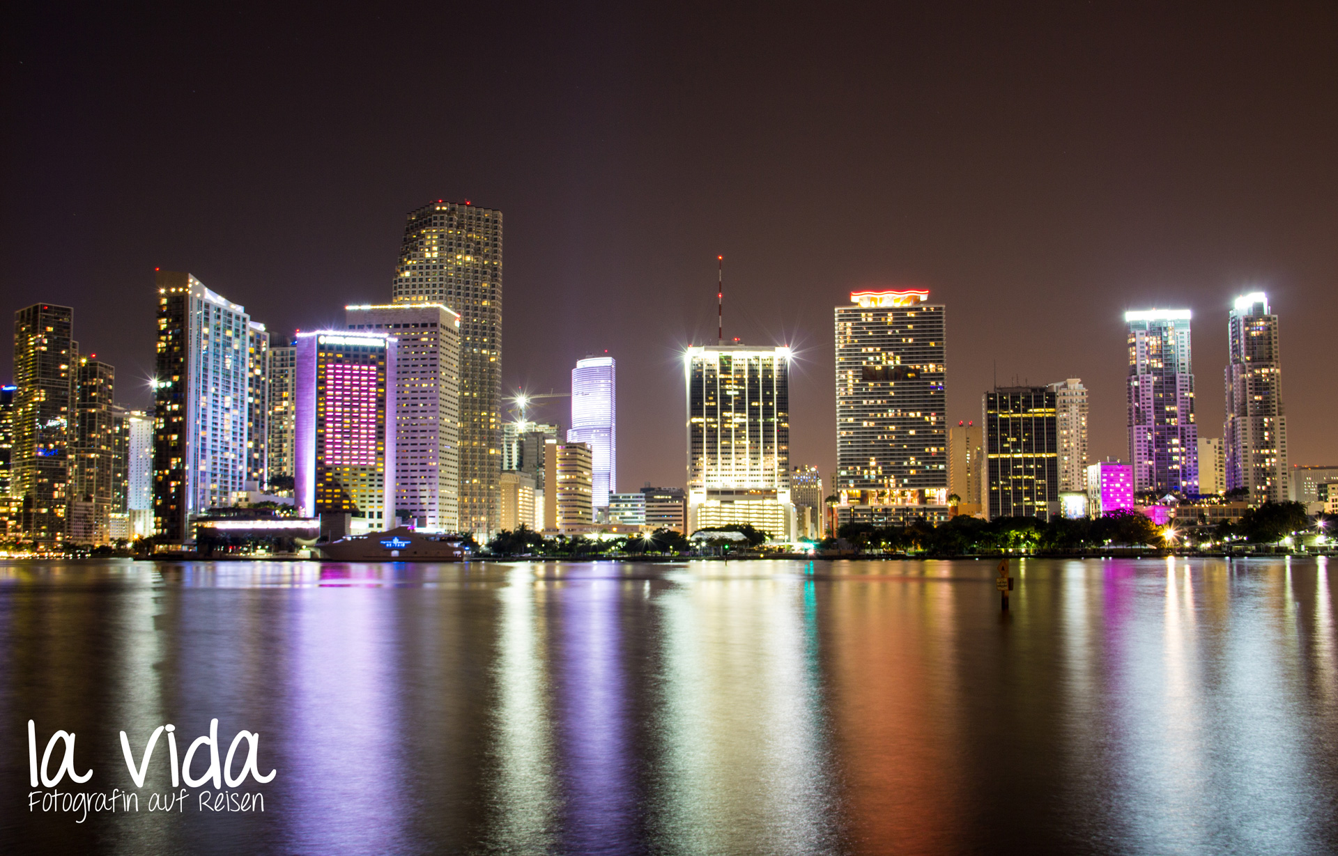 Nacht_MiamiDowntown
